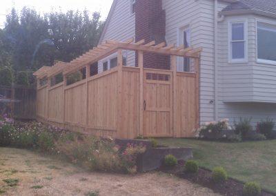 6-Cedar-fence-with-Trellis