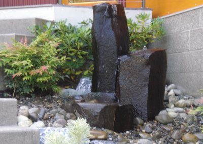 Basalt-Column-bubbler-with-dish-rock2