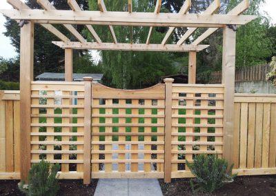 Cedar-gate-with-Arbor