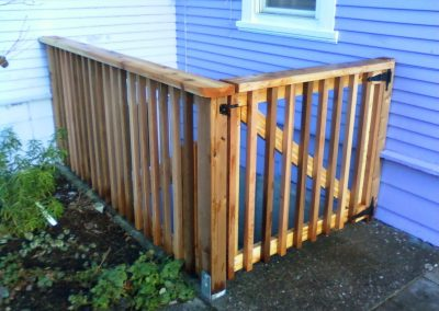 Cedar-picket-style-fence-and-gate